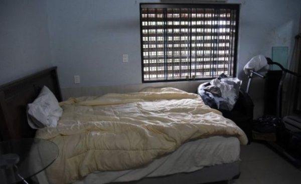 زنزانة رئيس عصابة مخدرات 1