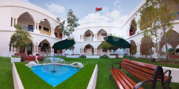 مدرسة عمانية (1)