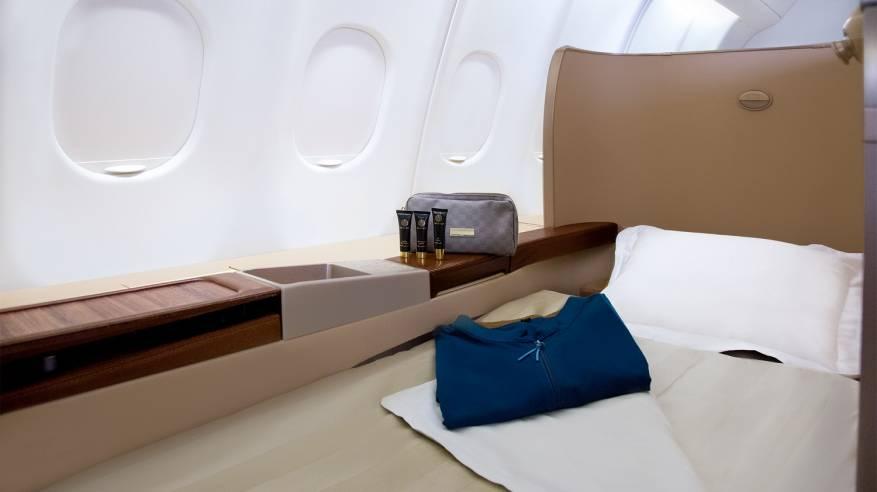 الطيران العماني يطور مقصورات الدرجة الأولى لتعزيز الراحة والرفاهية