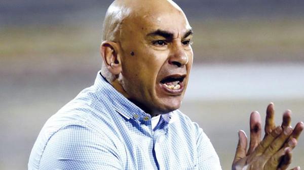 طارق يحيى يعلق على إشارة حسام حسن الخارجة
