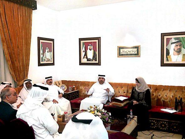 """بالصور … الإعلامية ميسون أبو بكر وندوة """"الإعلام والأدب السعودى"""" برعاية مركز جمال بن حويرب للدراسات في الإمارات."""