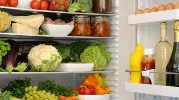 اتركي هذه الأطعمة داخل الثلاجة لضمان سلامتها