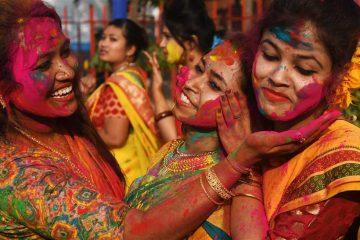احتفالات الهند بعيد الربيع «مهرجان ألوان ورقص»